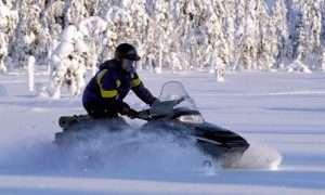 Snowmobile Lapland